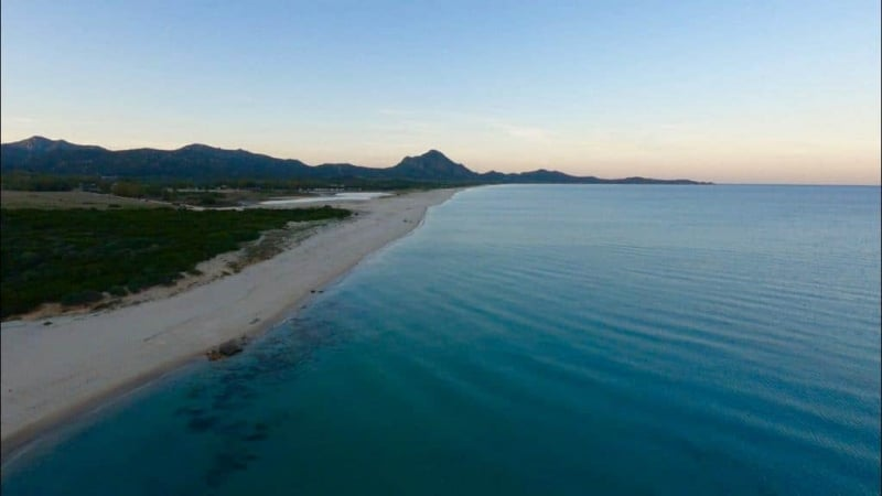 la magnifica spiaggia di piscina rei