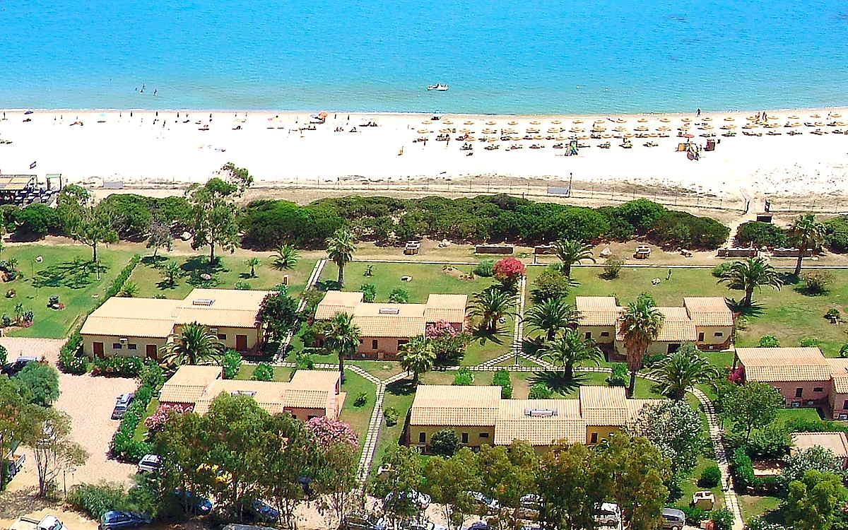 Villaggio turistico a costa rei vacanza in sardegna for Villaggio turistico sardegna